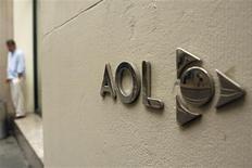 <p>AOL, la filiale internet de Time Warner, annonce qu'elle s'attend à enregistrer 200 millions de dollars (134 millions d'euros) de charges de restructuration à la suite de sa scission d'avec sa société-mère. /Photo d'archives/REUTERS/Lucas Jackson</p>