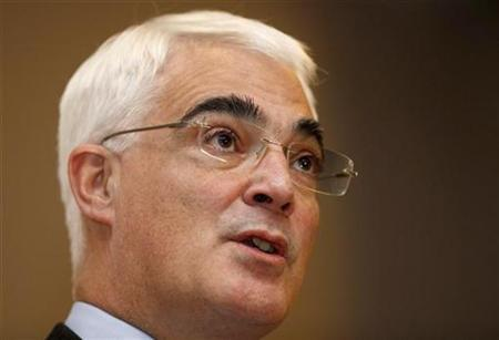 Britain's Chancellor of the Exchequer Alistair Darling speaks during a news conference after the G20 Finance Ministers meeting at a hotel in St. Andrews, Scotland November 7, 2009. REUTERS/Andrew Winning