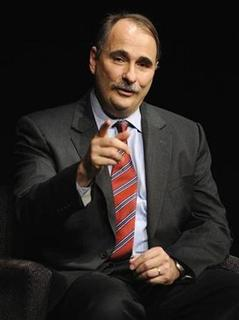 White House Senior Advisor David Axelrod makes a point during an interview at the Newseum in Washington October 1, 2009. REUTERS/Jonathan Ernst