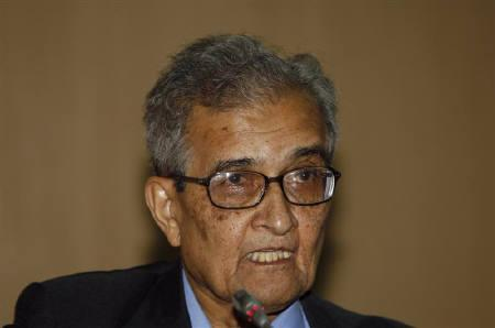 India's Nobel economics laureate Amartya Sen speaks during a conference in his honour for development, freedom and welfare in New Delhi in this December 19, 2008 file photo. REUTERS/B Mathur/Files