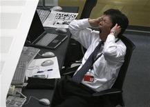 <p>Un impiegato giapponese in ufficio. Una ricerca ha rivelato che è meglio urlare che tenersi tutto dentro, in caso di forti arrabbiature sul posto di lavoro. REUTERS/Issei Kato</p>