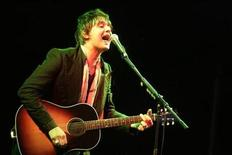 <p>Musician Pete Doherty performs during the Positivus music festival in Salacgriva, about 100 km (62 miles) from Riga in this July 17, 2009 file photo. REUTERS/Ints Kalnins</p>
