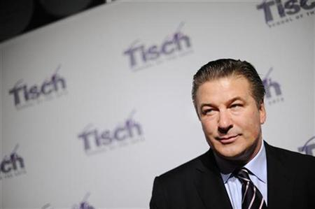 Actor Alec Baldwin arrives at the Tisch School of the Arts awards gala in New York November 2, 2009. REUTERS/Stephen Chernin