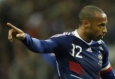 <p>Henry em partida contra Irlanda por vaga na Copa do Mundo de 2010, em Saint Denis. A França, campeã mundial em 1998 e finalista em 2006, não foi incluída nesta quarta-feira entre um dos oito cabeças-de-chave para o sorteio dos grupos da Copa do Mundo de 2010 na África do Sul.18/11/2009.REUTERS/Benoit Tessier</p>