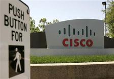 <p>Cisco Systems contrôle 84% du norvégien Tandberg dans le cadre de son OPA qui expire jeudi et qui vise à créer un géant mondial du matériel de visioconférence. /Photo d'archives/REUTERS/Robert Galbraith</p>