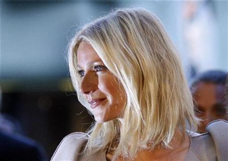 Actress Gwyneth Paltrow arrives for the West Coast premiere of the documentary ''Valentino: The Last Emperor'' at the Los Angeles County Museum of Art (LACMA) in Los Angeles April 1, 2009. REUTERS/Mario Anzuoni