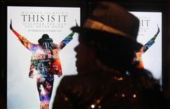 """<p>O documentário sobre Michael Jackson, """"This Is It"""", estreou em outubro e já rendeu mais 250 milhões de dólares à Sony Pictures. REUTERS/Daniel Munoz</p>"""