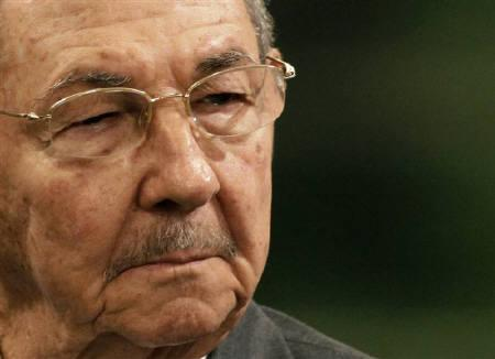 Cuba's President Raul Castro in Havana November 30, 2009. Cuban President Raul Castro accused the Obama administration on Sunday of maintaining hostile policies toward the communist-run island by sending a contractor to distribute illegal satellite equipment. REUTERS/Desmond Boylan/Files