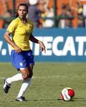 <p>Atacante Marta, em foto de arquivo, foi escolhida pela 4a vez melhor do mundo pela Fifa. REUTERS/Paulo Whitaker</p>