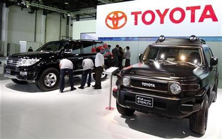 The new Toyota FJ Cruiser 2010 is on display during the Dubai Motor Show December 15, 2009.REUTERS/Mosab Omar