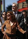 <p>O ator norte-americano Tim Robbis e sua parceira e atriz Susan Sarandon durante a cerimônia que homenageou o ator na Calçada da Fama de Hollywood na Califórnia no dia 10 de outubro de 2008. O relacionamento de 23 anos entre os premiados atores terminou após 23 anos segundo a revista People nesta quarta-feira. (Foto Arquivo Reuters) REUTERS/Mario Anzuoni</p>