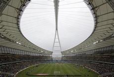<p>Vista geral do estádio Moses Mabhida durante partida recente do Campeonato Sul-Africano em Durban REUTERS/Rogan Ward</p>