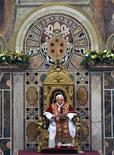 <p>Papa Benedetto XVI in una foto d'archivio. REUTERS/Maurizio Brambatti</p>