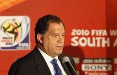 <p>Danny Jordan, il presidente del comitato organizzatore dei mondiali in Sudafrica. REUTERS/ Siphiwe Sibeko</p>