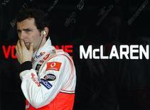 """<p>Тест-пилот команды """"Макларен"""" Педро де ла Роса во время тренировочных заездов на трассе в Хересе 12 февраля 2008 года. Испанец Педро де ла Роса стал вторым пилотом команды """"БМВ Заубер"""", выступающей в чемпионате мира по автогонкам класса """"Формула-1"""" в сезоне 2010 года. REUTERS/Anton Meres</p>"""