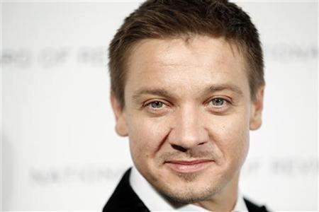 Actor Jeremy Renner arrives to accept the award for Breakthrough Performance by an Actor for his work in the film ''The Hurt Locker'' at the National Board of Review Award ceremony in New York January 12, 2010. REUTERS/Lucas Jackson