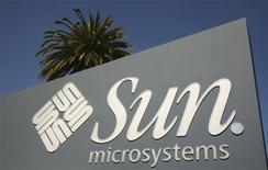 <p>La Commission européenne a donné son accord au rachat de Sun Microsystems par l'éditeur de logiciels Oracle pour 7 milliards de dollars. /Photo d'archives/REUTERS/Robert Galbraith</p>