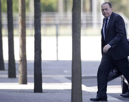 1月21日、ウェーバー独連銀総裁(写真)は、ギリシャは財政問題解決に向け行動すべきと発言。昨年4月撮影(2010年 ロイター/Tobias Schwarz)