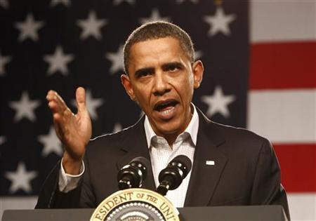 U.S. President Barack Obama speaks during a visit to Lorain County Community College in Elyria, Ohio January 22, 2010. Today's visit to Lorain County is the second stop on the White House to Main Street Tour. REUTERS/Kevin Lamarque
