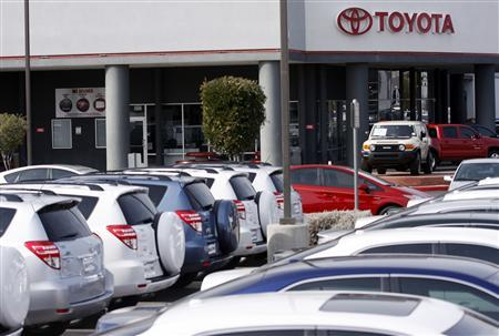 Toyota Rav-4 SUVs sit parked at a Toyota dealership in Phoenix, Arizona February 1, 2010. REUTERS/Joshua Lott