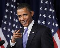 <p>Президент США Барак Обама выступает в Музее журналистики и новостей в Вашингтоне 3 февраля 2010 года. Президент США Барак Обама в среду решил не вносить Северную Корею в список стран, которые Вашингтон подозревает в пособничестве терроризму. REUTERS/Jason Reed</p>