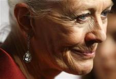 <p>Imagen de archivo de la actriz Vanessa Redgrave a su llegada a la gala anual de la fundación para la investigación del sida amFAR. Feb 10, 2010. La veterana actriz británica Vanessa Redgrave recibirá a fin de mes un premio de la Academia Británica de las Artes Cinematográficas y de la Televisión (BAFTA, por sus siglas en inglés) en honor a una carrera que abarca seis décadas. REUTERS/Carlo Allegri</p>
