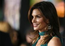 "<p>Model Cindy Crawford poses at the premiere of ""Leatherheads"" at the Grauman's Chinese theatre in Hollywood, California March 31, 2008 file photo. REUTERS/Mario Anzuoni</p>"