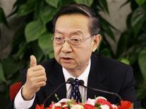 <p>Li Yizhong, ministro dell'Industria e delle Tecnologie, in foto d'archivio. REUTERS/Jason Lee</p>