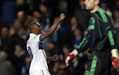 <p>Samuel Eto'o da Inter comemora gol em partida que eliminou o Chelsea da Liga dos Campeões. REUTERS/Andrew Winning</p>