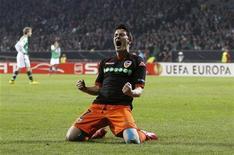 <p>David Villa do Valencia comemora gol contra Werder Bremen na Liga Europa. O resultado de 4 x 4 nesta quinta-feira, com três gols de David Villa, classificou o Valencia para as quartas-de-final, após empate noo jogo de ida por 1 x 1 em casa. 18/03/2010 REUTERS/Christian Charisius</p>