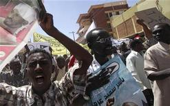 <p>Sudanese activists shout slogans during a demonstration in the streets of the capital Khartoum March 4, 2010. REUTERS/Mohamed Nureldin Abdallah</p>