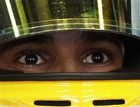 <p>26 marzo 2010. Lewis Hamilton, pilota della McLaren. REUTERS/Daniel Munoz</p>