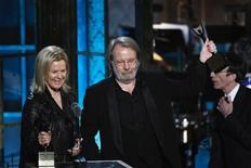 <p>Piano player Benny Andersson (C) and Anni-Frid Lyngstad of ABBA celebrate after being inducted during the 2010 Rock and Roll Hall of Fame induction ceremony at the Waldorf Astoria Hotel in New York, March 15, 2010. REUTERS/Lucas Jackson</p>