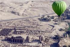 <p>Luxor in vista dall'alto, foto d'archivio. REUTERS/Amr Abdallah Dalsh</p>