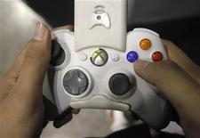 <p>Il controller dell'Xbox di Microsoft. REUTERS/Vivek Prakash (SINGAPORE SOCIETY BUSINESS SCI TECH)</p>