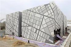 <p>Preparazione del padiglione svedese per l'Expo 2010 di Shanghai. REUTERS/Aly Song</p>