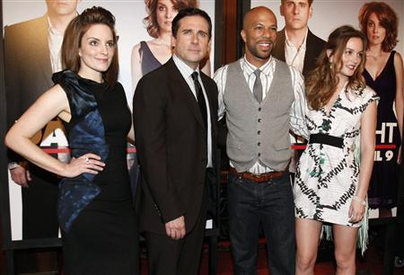 (L-R) Cast members Tina Fey, Steve Carell, Common, and Leighton Meester pose for photographers as they arrive at the premiere of ''Date Night'' in New York City April 6, 2010. REUTERS/Jessica Rinaldi
