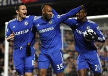 <p>Nicolas Anelka comemora gol do Chelsea que aproximou o time do título do Campeonato Inglês. REUTERS/Toby Melville 0</p>