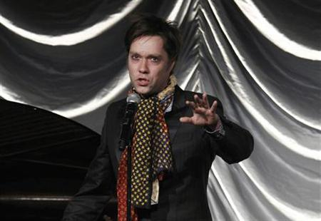 Singer Rufus Wainwright performs during a gala benefit for amfAR, the Foundation for AIDS Research, in New York, February 10, 2010. REUTERS/Lucas Jackson