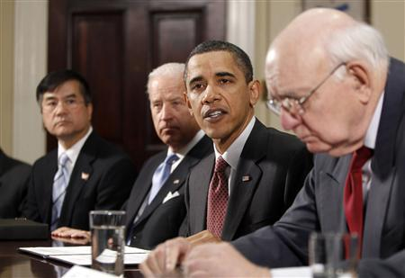U.S. President Barack Obama hosts a meeting of the President's Economic Recovery Advisory Board (PERAB) in the Roosevelt Room of the White House in Washington April 16, 2010. With Obama are (L-R) Secretary of Commerce Gary Locke, Vice President Joe Biden and PERAB Chairman Paul Volcker. REUTERS/Jason Reed