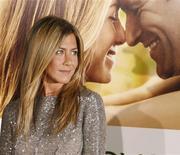 <p>Atriz Jennifer Aniston pretende dirigir longas metragens. 15/09/2009 REUTERS/Fred Prouser</p>