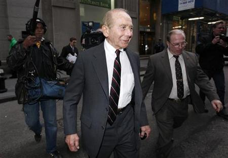 Former CEO of American International Group Inc., Maurice ''Hank'' Greenberg, (C) in downtown New York March 10, 2010. REUTERS/Jessica Rinaldi