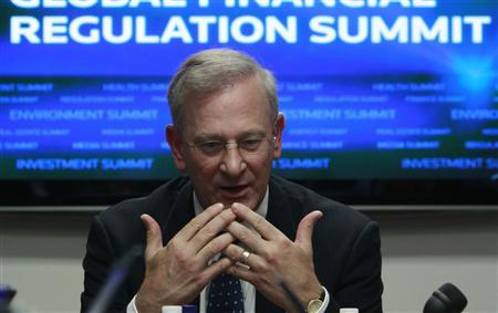 Federal Reserve Bank of Kansas City President Thomas Hoenig speaks during the Reuters Financial Regulation Summit in Washington, April 26, 2010. REUTERS/Jim Young