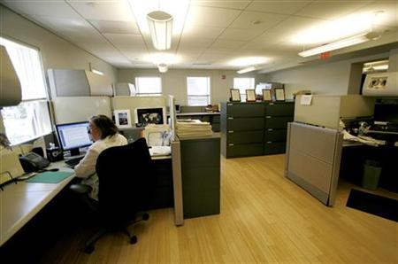 Office space with bamboo floors in the first ''green'' building on Capitol Hill in Washington July 12, 2007. REUTERS/Kevin Lamarque