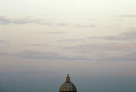 The sun rises over Saint Peter's Basilica in Rome early April 4, 2005.Vatican talks with a controversial splinter group have been difficult and the ultra-traditionalist Catholics will have to make concessions if an accord is to be reached, a senior Vatican cardinal said on Wednesday. REUTERS/Alessia Pierdomenico/Files