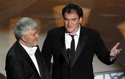 <p>Os diretores Quentin Tarantino e Pedro Almodóvar aprentam o Oscar de melhor filme estrangeiro na cerimônia em Hollywood. Tarantino vai presidir o júri que entrega o cobiçado prêmio Leão de Ouro no festival de cinema de Veneza deste ano, disseram os organizadores nesta quinta-feira. 07/03/2010 REUTERS/Gary Hershorn</p>