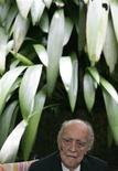 <p>Imagen de archivo del arquitecto brasileño Oscar Niemeyer, durante una conferencia de prensa en Rio de Janeiro. Dic 15 2007. El renombrado arquitecto brasileño Oscar Niemeyer, de 102 años, recibió el alta médica el viernes por la mañana en un hospital de Río de Janeiro donde había sido internado la semana pasada para tratarse una infección urinaria. REUTERS/Bruno Domingos/ARCHIVO</p>