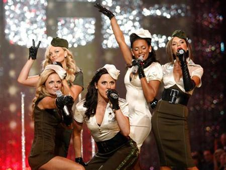 The Spice Girls perform at the Victoria's Secret Fashion Show 2007 in Hollywood, November 15, 2007. REUTERS/Mario Anzuoni