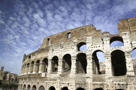 A general view of the Colosseum in Rome in this October 30, 2009 file photo. Falling chunks of mortar from Rome's Colosseum has rekindled the debate about the state of the Italian capital's archaeological treasures -- some of which are literally falling apart. REUTERS/Sharon Lee/Files