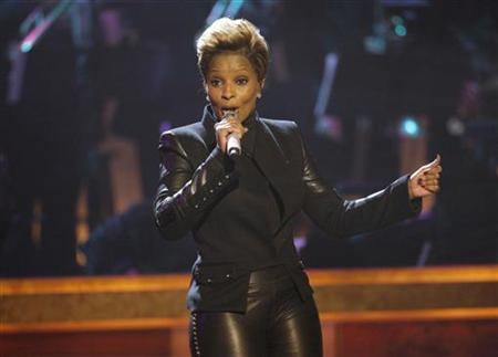 Singer Mary J. Blige performs at the BET Honors in Washington, January 16, 2010. REUTERS/Molly Riley